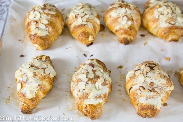 Almond Croissant-122