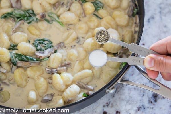 creamy-mushroom-gnocchi-11
