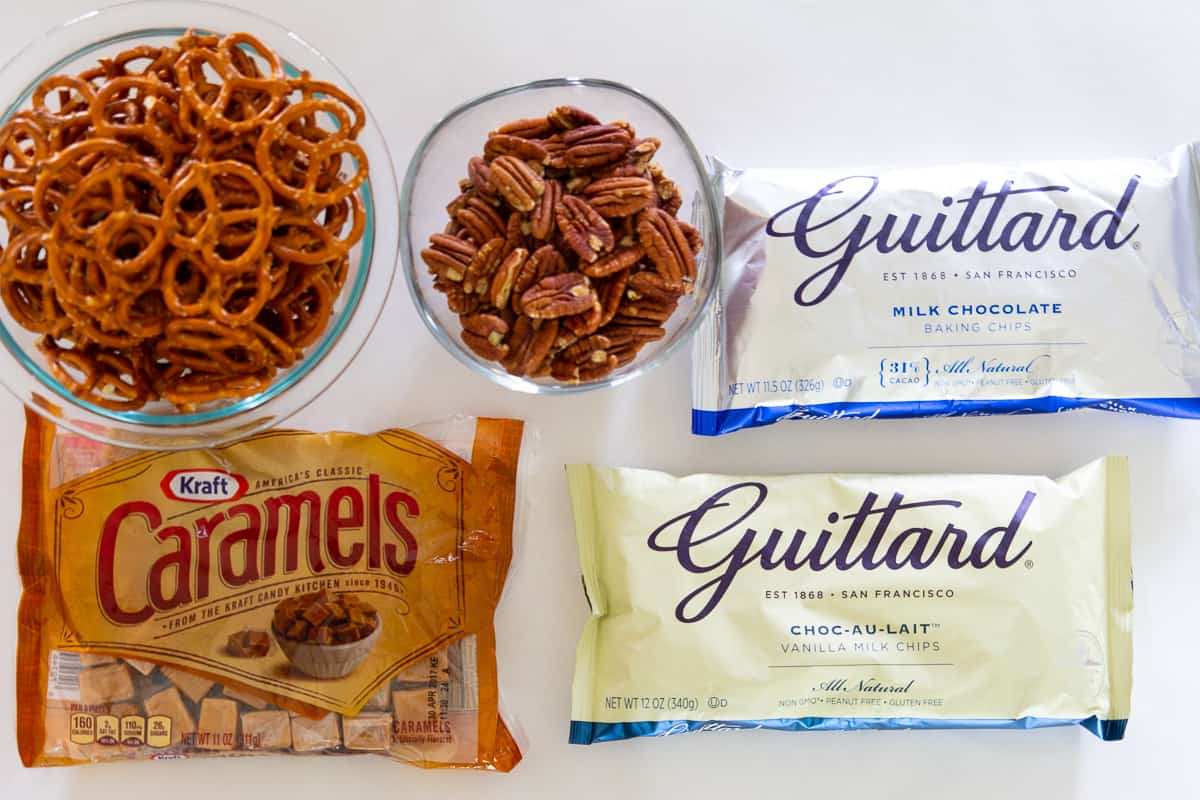 You only need a few simple ingredients to make these delicious chocolate caramel pretzels bars for a yummy treat.